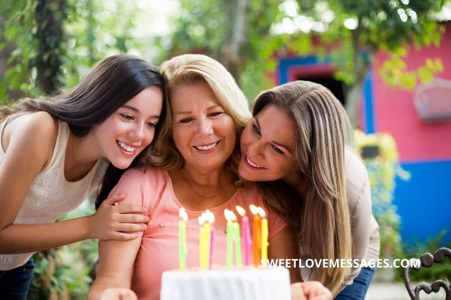 Happy Birthday Wishes for Friend's Mom